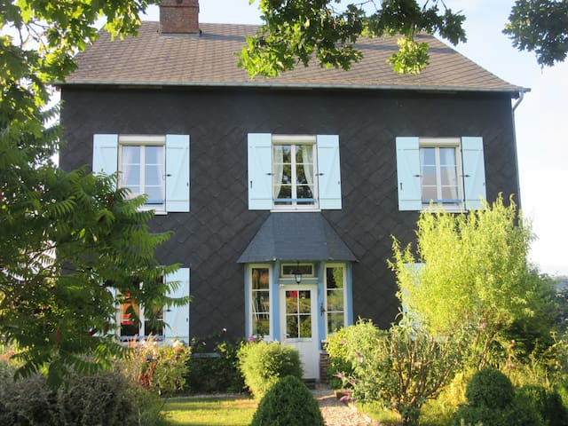 Le Clos Lauradière - Augustine - Saint-Pierre-de-Cormeilles - Bed & Breakfast