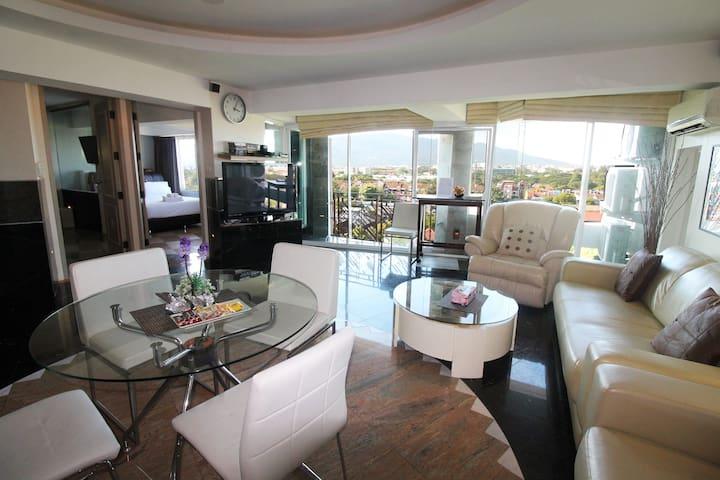 2 luxus bedroom w/fantastic mountain view! - Chiang Mai - Apartament