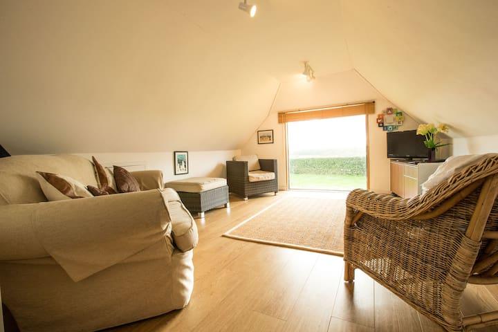 Barn Studio Apt, Surrey countryside - Leigh - Loft