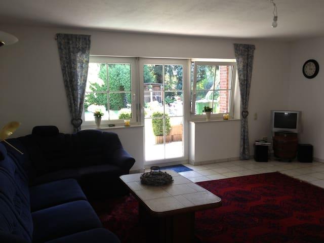 Cosy Suite for two 70 m² - Geilenkirchen - Leilighet