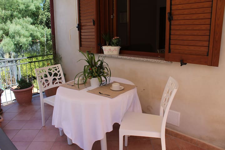 Flat with balcony in south of Italy - Stella Cilento - Wohnung