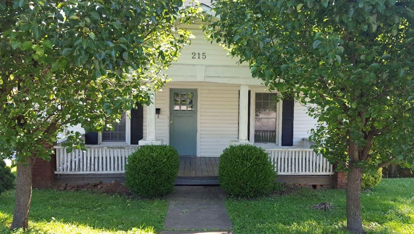 Downtown Cottage - Somerset - Huis