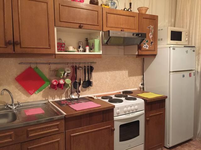 Уютная 2-х комнатная квартира - кировск - Lägenhet