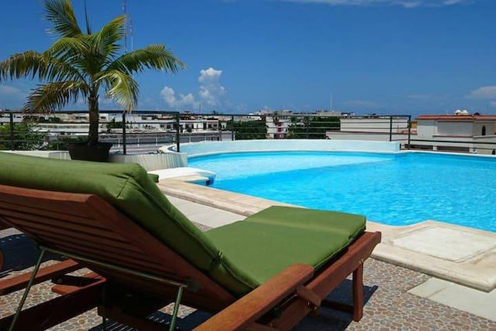 Luxury Apartment 3 blocks frm 5th Av balcony +roof - Playa del Carmen