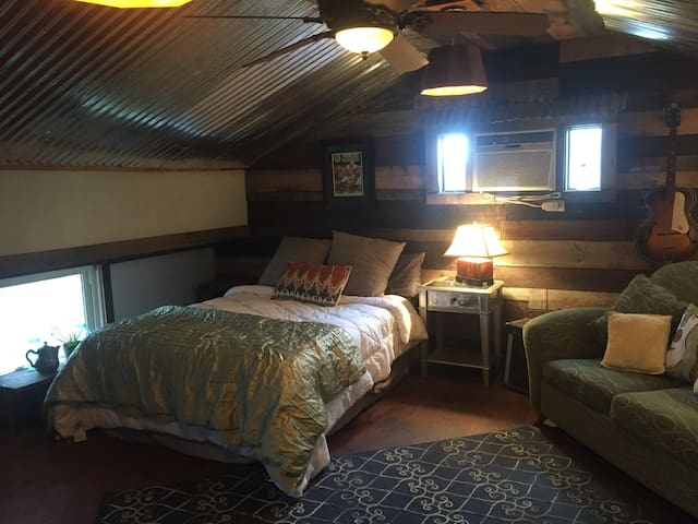 The Loft Inn - Nashville