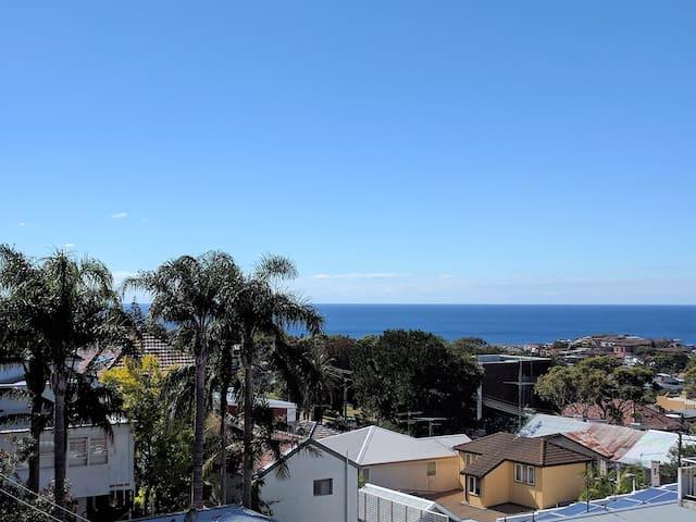 Ocean view, bright renovated apartment! Enjoy :) - Bronte - Lägenhet