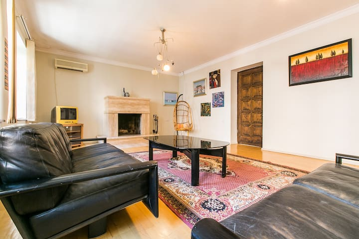 nice and comfortable apartment - Tbilisi - Huis