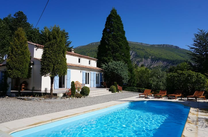 Beautiful 4* Villa in Northern Provence with pool - Aspres-sur-Buëch - Vila
