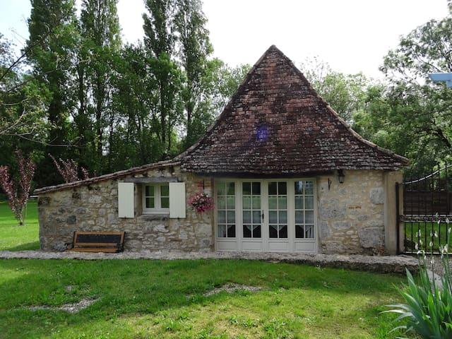 Le Sechoir, gîte pour 2 , piscine - Issigeac - Hus