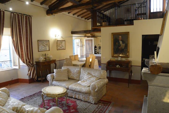 Dimora storica panoramica nel borgo antico - Canino - Appartement