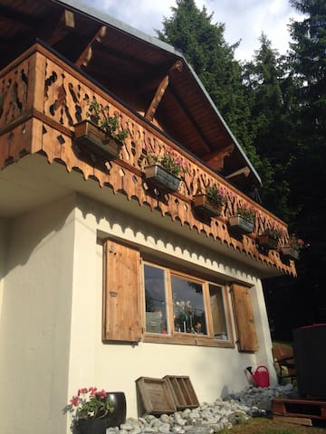 *charmant petit chalet* 4couchages - Les Gets - Apartemen