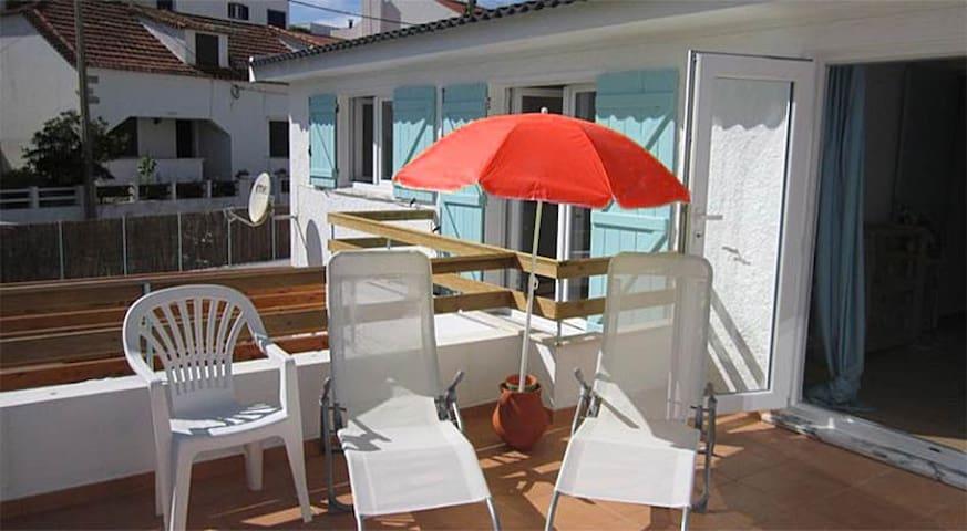 Native Surf house Balcony Double - Lourinhã - Hostel