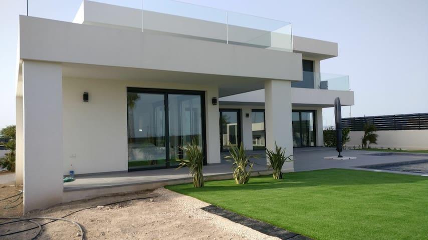 New modern house with pool - Daya Nueva - Dům