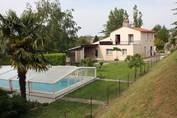 House with pool access - Gauriac