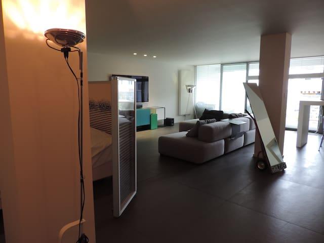 Modern loft located in the heart of Mechelen. - Malinas - Loft