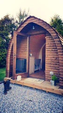 Wooden Pod at Coastal Valley Camp and Crafts - Cornwall - Stuga