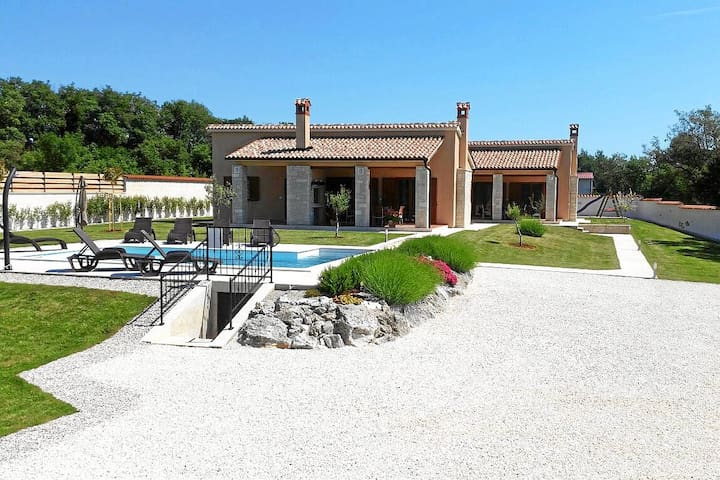 new stylish Villa with pool - Barban