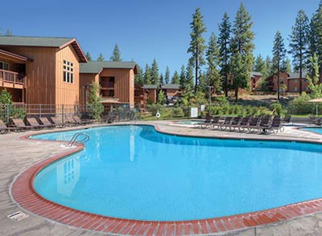 Lake Tahoe Zephyr Cove Resort 3BR - ゼファーコーブラウンドヒルビレッジ - 別荘