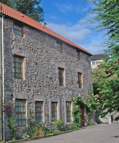 The Old Mill B&B, Bamburgh room - Wooler