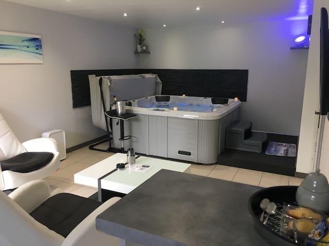 Appartement avec jacuzzi intérieur privatif - Toulouse - Lägenhet