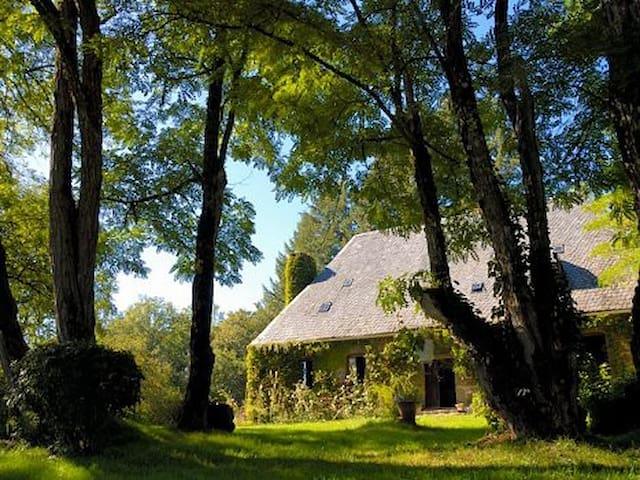 Chaumeil Chambre d'hôte - Lamazière-Basse