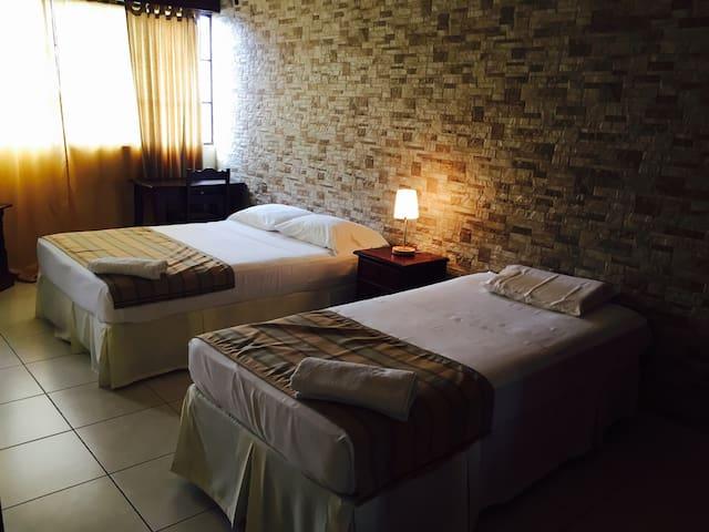 Hotel Don Guillermo- Bed and Breakfast - Matagalpa - Pousada