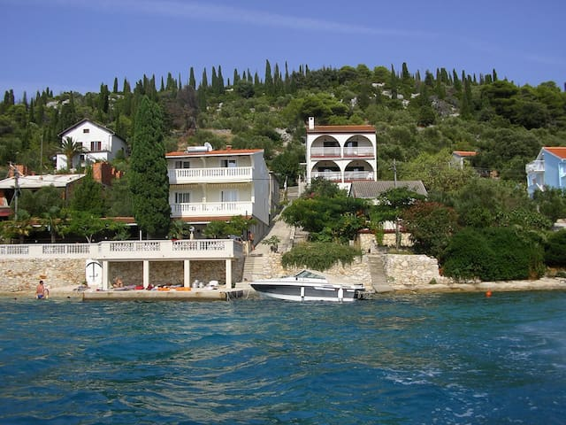 Paradise rooms directly by the sea - Otok Ošljak - Bed & Breakfast