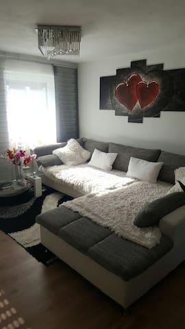 2 Schlafplätze auf der couch - Pfaffenhofen an der Ilm - Daire