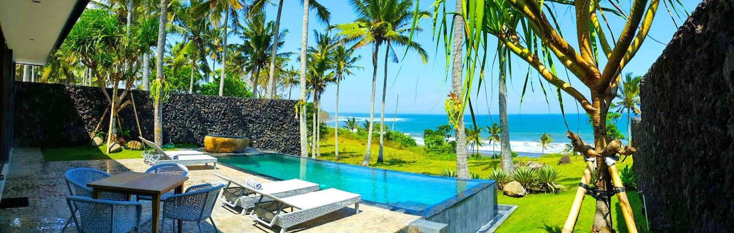 NEW Beachfront Pool Villa @ BALIAN - Kabupaten Tabanan - 別墅