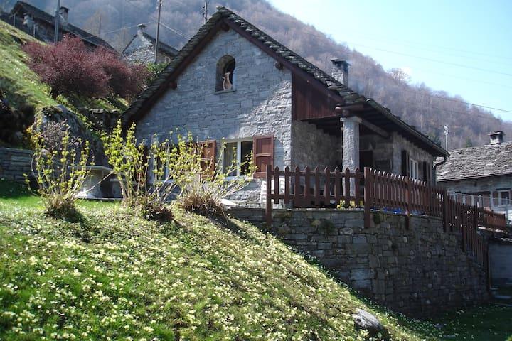 "Casa ""La Rustica"" a Brione Verzasca - Brione"