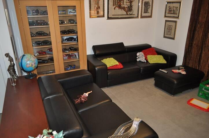 duplex appartement beschikbaar met 3 slaapkamers - Kortrijk - Wohnung