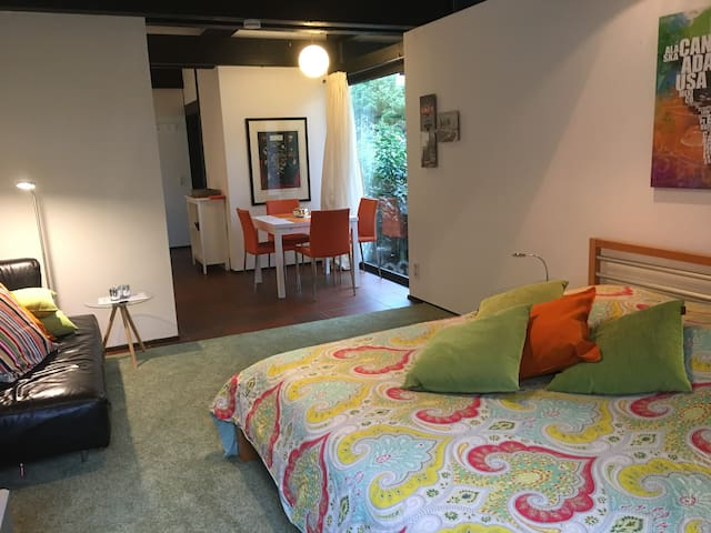 Quiet apartment in the south of Berlin - Kleinmachnow - Leilighet