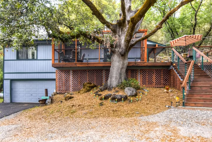 Comfortable 2BR Placerville Cabin - Placerville - Rumah