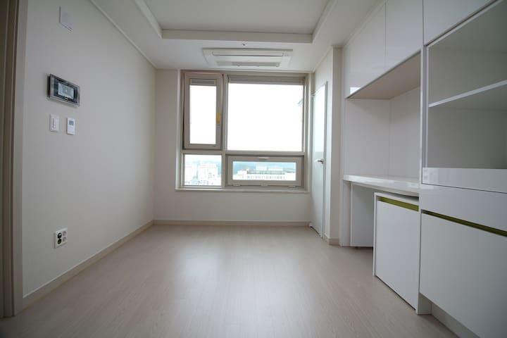 Cozy and Clean, 청주 고속버스터미널 2분 - Heungdeok-gu, Cheongju-si