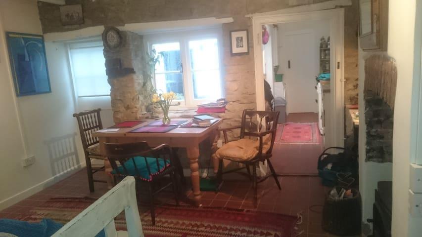 Old Ropemakers Cottage in Bridport Centre - Bridport - Casa