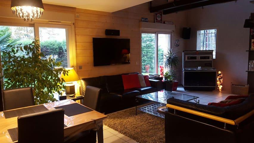 Villa récente tout confort - Genay - Ev