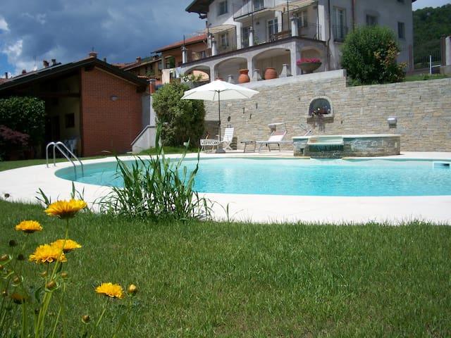 La Volpe e L'Uva Holiday House - Piverone - Квартира
