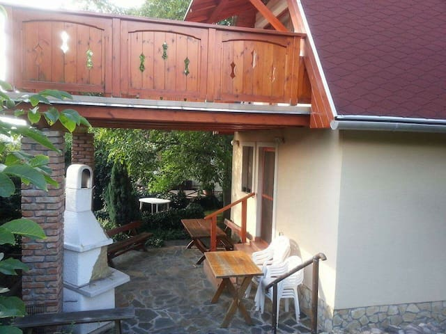 Charming cottage in the Danube Bend - Esztergom - Rumah