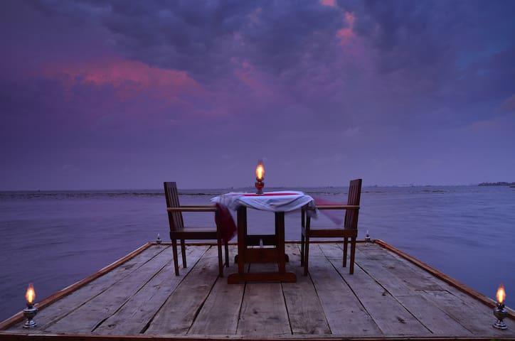 Elegant Lake View Villa facing Backwaters - Alappuzha - Villa