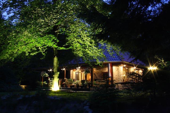 """10pers Landhuis """"Op de Heugte"""" Norg - Norg - Villa"""
