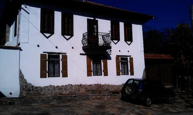 Eagles Nest - Private House - Orlovtsi - Huis