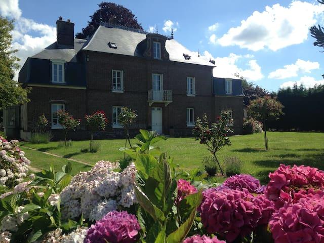 Normandie proche golf -1h15 Paris Maison de maître - La Haye-du-Theil - Hus