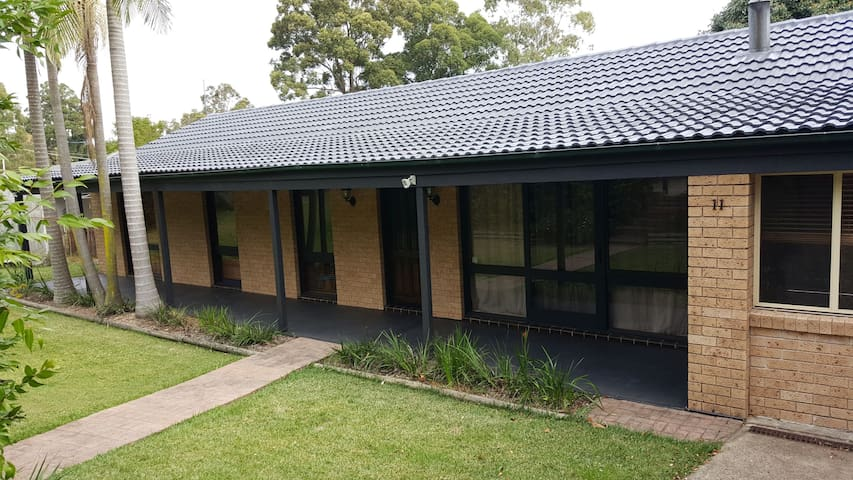 Large house in peaceful tranquil suburbia - Hornsby Heights - Casa