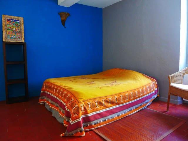 Chambre dans maison de charme avec balcon - Mollans-sur-Ouvèze