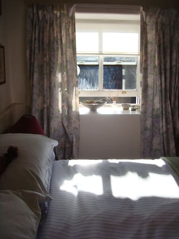 Cosy double bedroom with lovely view - Maentwrog
