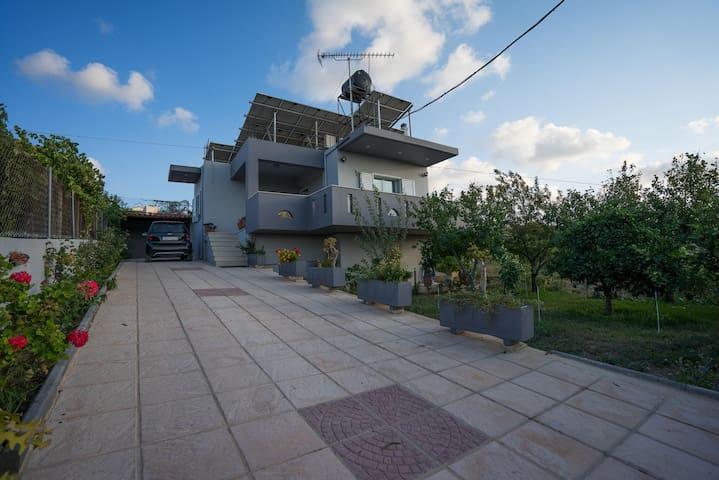 Residence 8km outside of Heraklion - Πατσίδες - Hus
