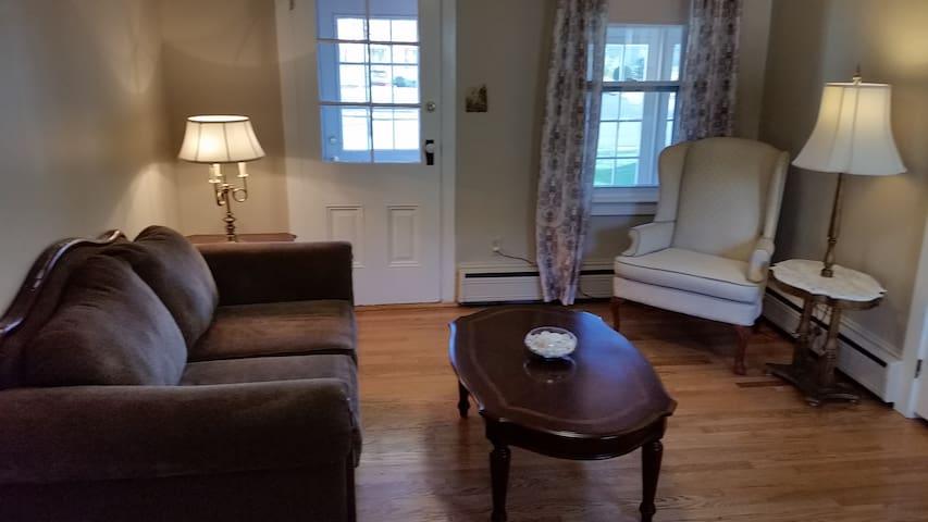 Private 4 Room Apartment - Bristol - House