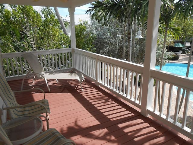 Coral Hammock Poolside House - Key West - Casa
