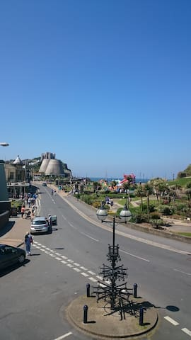 Sunny Apartment perfect for couple! Top Location - Ilfracombe
