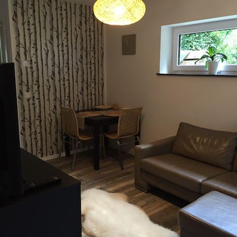 Moderne, ruhige Wohnung im Souterrain am Waldrand - Geesthacht - Appartement en résidence